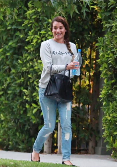 lea michele t-shirt jeans bag shoes rachel berry glee