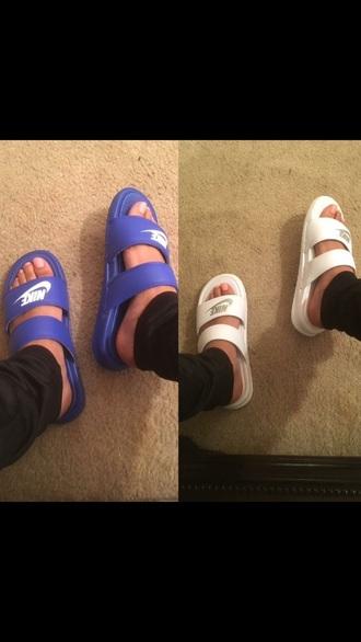 shoes nike slippers slide shoes flats nike sandals slip ins nike shoes blue white blue shoes white shoes open toes cute shoes summer shoes nike slides