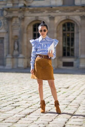 shirt ruffle shirt blue shirt striped shirt blue and white spring outfits ruffle suede skirt mini skirt boots wedges boots suede boots brown boots brown skirt sunglasses streetstyle stripe shirt