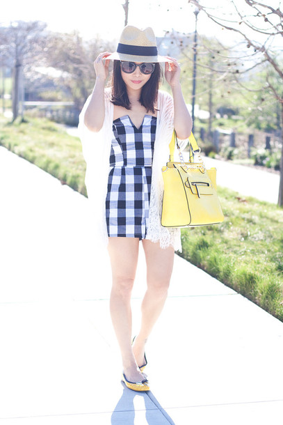 it's not her it's me blogger hat romper gingham yellow bag bag sunglasses