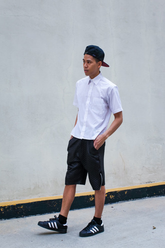 closet freaks blogger white shirt black shorts cap mens shirt menswear shirt shorts shoes hat mesn cap mens cap mens low top sneakers