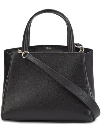 women classic black bag