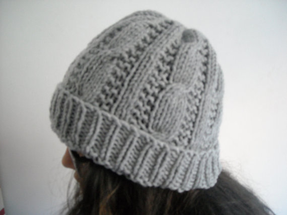 Gray cableknit beanieUnisexCableknit grey slouchy by AYTULGIFT