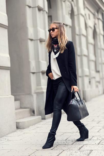 lisa olsson blogger coat skinny pants printed scarf givenchy