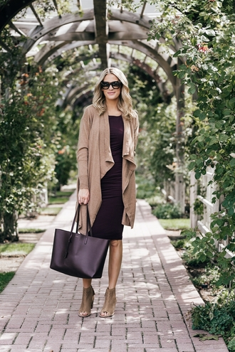 ivory lane blogger dress cardigan shoes bag sunglasses jewels tote bag ankle boots bodycon dress fall outfits
