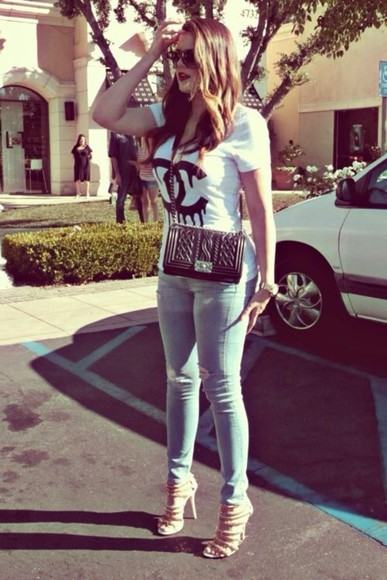 chanel jeans shirt khloe kardashian t-shirt ripped jeans white blue