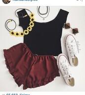 t-shirt,shorts,red,flowy shorts,style,fashion,flowy pants,cool,nice,shirt,black,burgundy,sunglasses,flower crown,choker necklace,converse,white,tank top