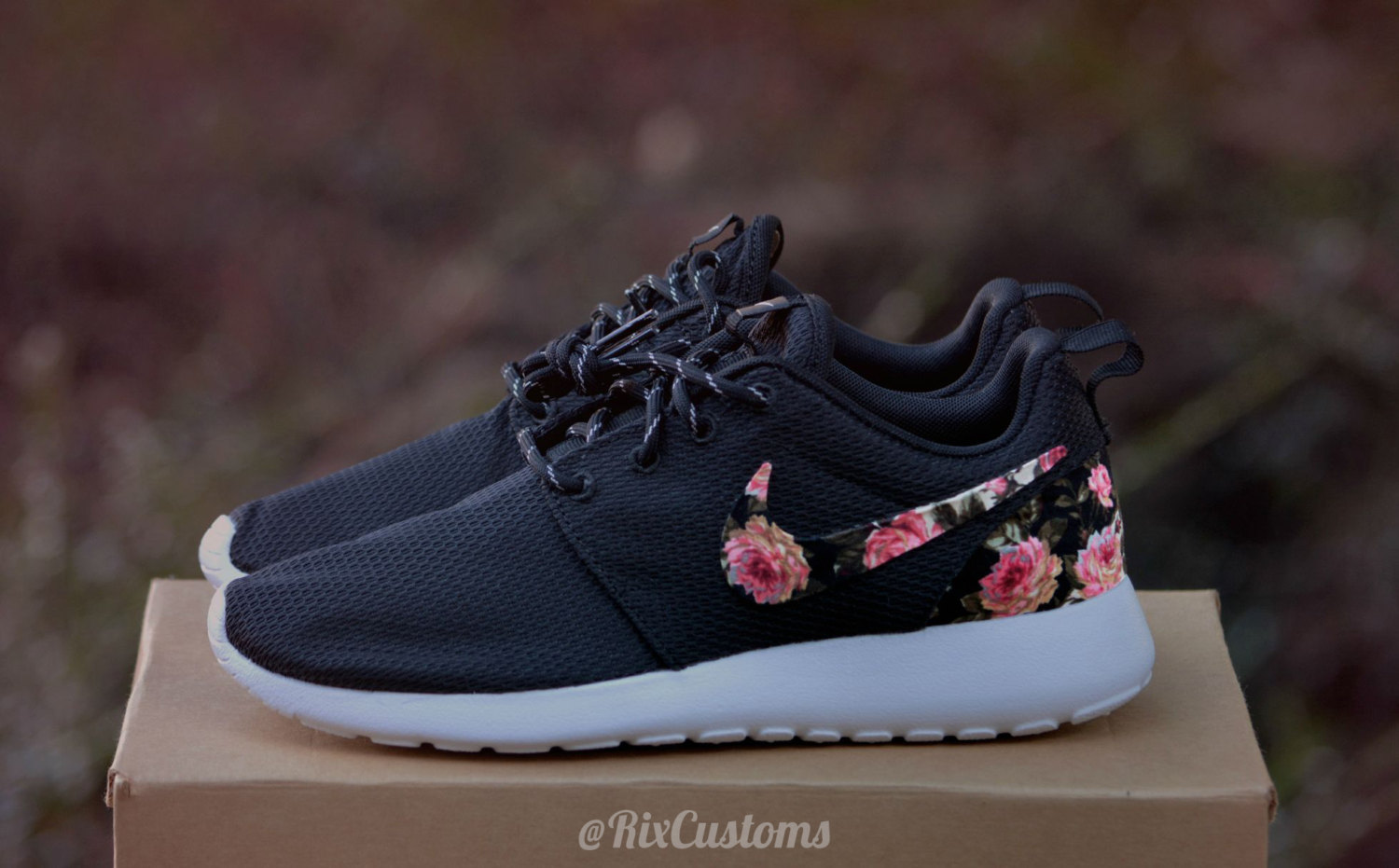 watch 5be9d 6a4e0 norway nike roshe black flower custom floral 5a96a e6a66