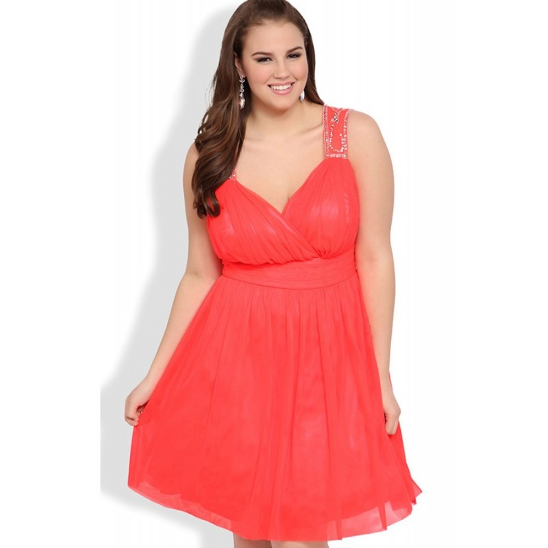 Wholesale Plus Size Short Prom Dress With Stone Trim Keyhole Back In