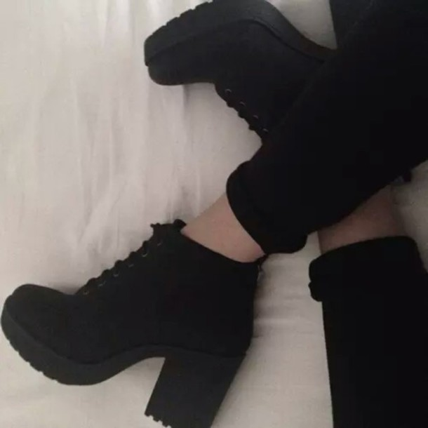 shoes black boots boots all black everything all black everything booties platform boots cute shoes cute grunge grunge boots grunge wishlist cool girl alternative rock alternative alternative dope summer stylish style style trendy trendy trendy popular sweater blogger blogger tumblr tumblr shoes fashionista fashionista chill rad on point clothing leggings