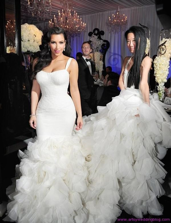kim kardashian white mermaid dress with a long train. kim kardashian dress helena fashion