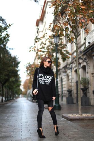 quote on it blogger bag jewels b a r t a b a c sunglasses turtleneck
