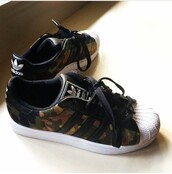 shoes,sneakers,stule,adidas,adidas shoes,adidas superstars,superstar,camouflage,camo print,leather shoes,adidas originals,army print,jewels,jumpsuit