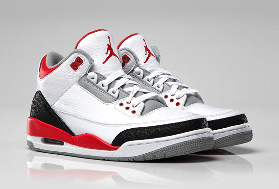 AIR JORDAN 3 'FIRE RED' RETRO 2013