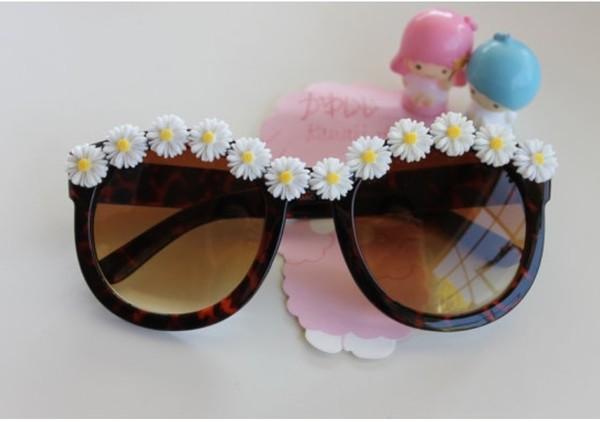 sunglasses daisy retro
