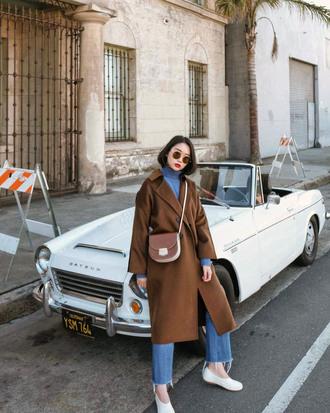 coat tumblr brown coat oversized oversized coat denim jeans blue jeans shoes white shoes sunglasses bag