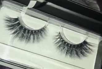 make-up lashes eyelashes