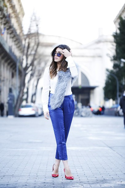 dulceida blogger sunglasses blue pants cropped pants red heels fluffy fur scarf scarf blouse pants shoes