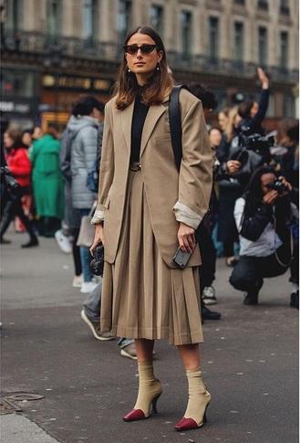 skirt beige skirt blazer beige blazer boots sunglasses midi skirt pleated pleated skirt sock boots streetstyle