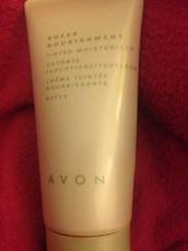 make-up,moisturiser