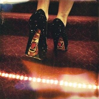 shoes lion glitter heels glitter cute heels fashion rock glam rock glamorous high heels black heels black glitter black sexy heels