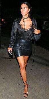 skirt,blouse,all black everything,mini skirt,kardashians,kim kardashian,sandal heels,sandals,camisole,top,choker necklace,shoes