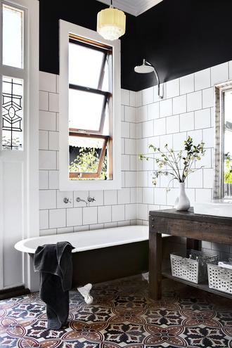 home accessory bath tub bathroom home decor flowers table