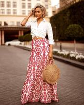 skirt,maxi skirt,printed skirt,high waisted skirt,white shirt,straw bag,round bag,necklace