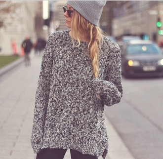 sweater winter sweater grey sweater grey oversized sweater sunglasses rayban bonnet winter outfits beanie