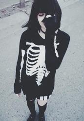 sweater,goth,emo,dark,black,white,black and white,skeleton,pull,squelette,rock,grunge