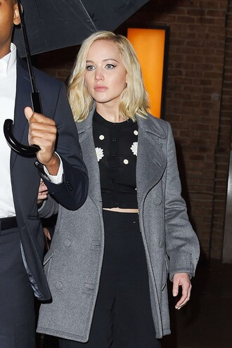 cardigan top sweater cropped crop tops cropped sweater jennifer lawrence fall outfits coat
