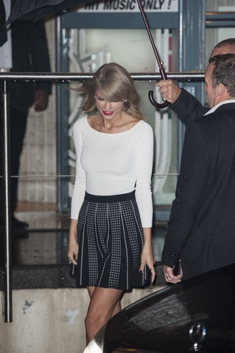 skirt taylor swift polka dots blonde hair black and white skirt
