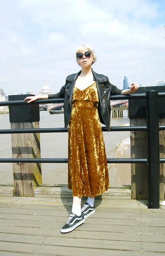 stella's wardrobe blogger dress shoes jacket sunglasses midi dress black leather jacket gold dress sneakers spring outfits