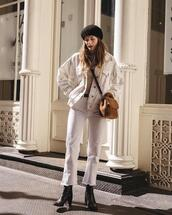 le fashion image,blogger,hat,jacket,bag,jeans,shoes,beret,furry bag,crossbody bag,ankle boots,white jeans