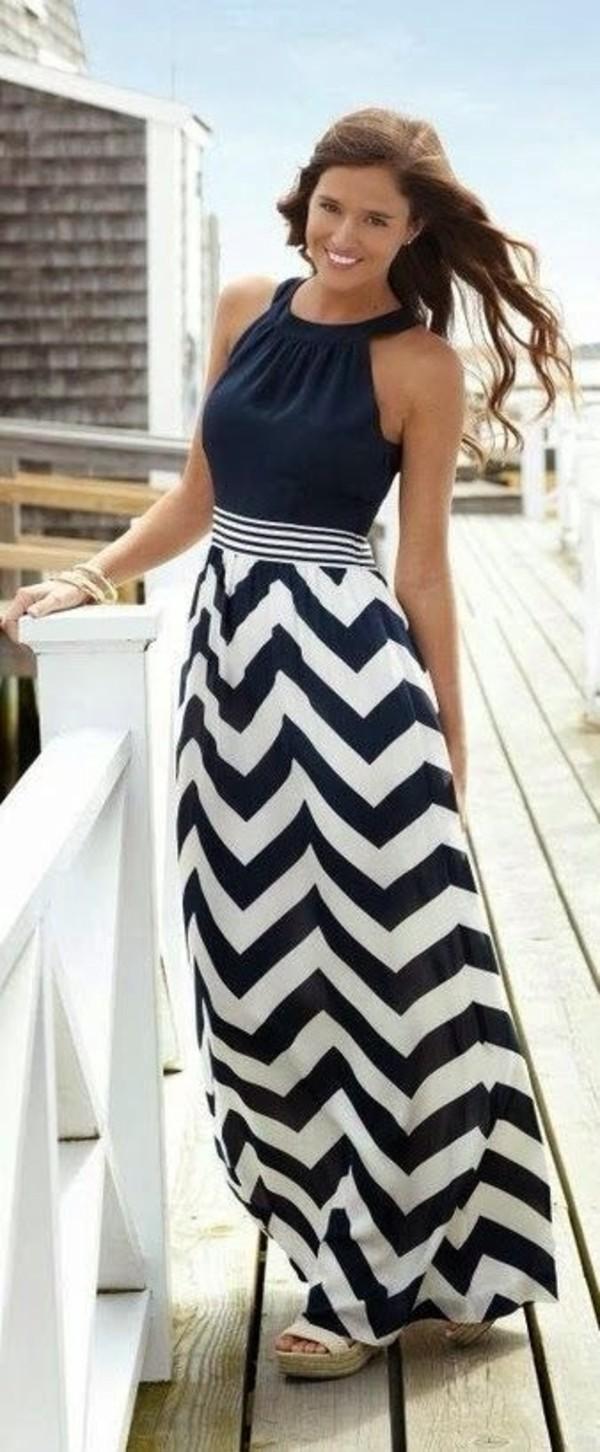 blue and white chevron maxi dress   Gommap Blog