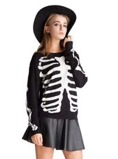 black and white sweater,skeleton bones,skeleton print,skeleton top,www.ustrendy.com,sweater