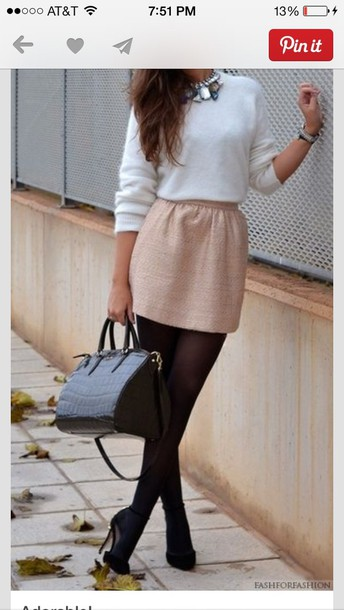 skirt blouse need this whole outfit!!! shoes jewels bag beige shorts white jumper girly style classy sweater pink skirt nude skirt dress cute dress cut off shorts date outfit dress white dress pink pretty working cute fenimine girl brunette necklace tights clothes skater skirt gold gold skirt brown mini skirt