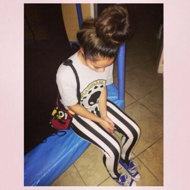 leggings fashion t-shirt shoes cute style outfit hair bun