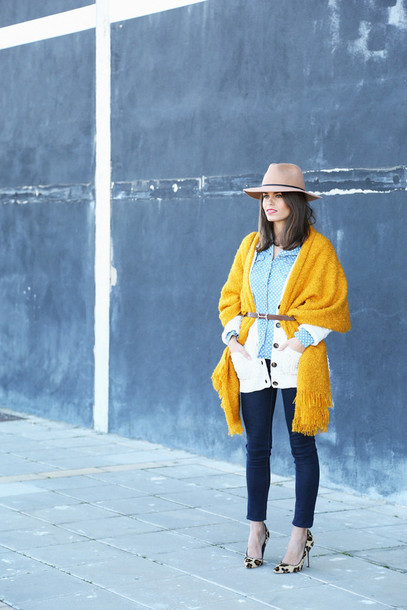 seams for a desire blogger shirt hat blanket scarf mustard skinny jeans