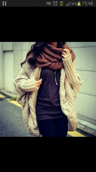 loose fit coat knitted sweater knitted cardigan beige shorts