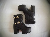 shoes,black shoes,heels,combat boots
