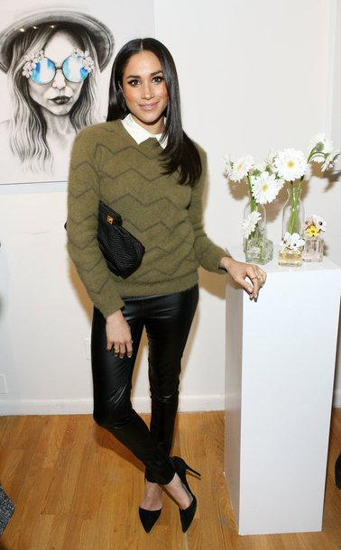 sweater pumps pants fall outfits meghan markle