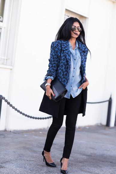 walk in wonderland blogger jeans bag jewels