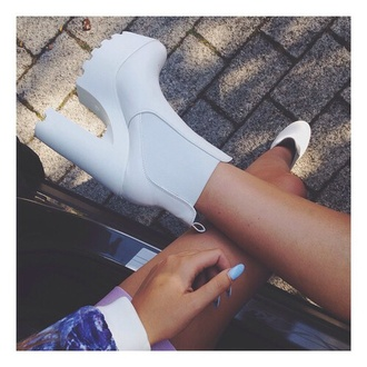 shoes heels white boots high heels chunky high heeled ankle boots chelsea boots wedges platform shoes platform heels chunky platforms chunky platform heels platform boots white boots white ankle boots white chelsea boot heelded shoe game cute shoes stylish shoes stylish style trendy fashion inspo want them want exactly this one wanted shoes wantsomethingsimilar cool dope chill tumblr blogger fashionista on point clothing amazing