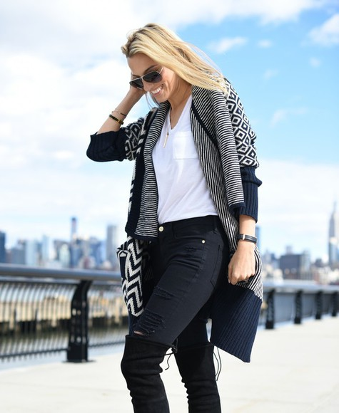 stripes mind body swag blogger jeans t-shirt sunglasses bag jewels knitted cardigan aztec fall outfits