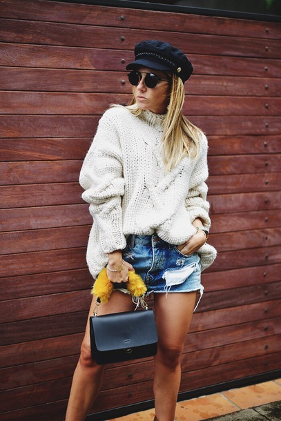sweater white sweater cable knit hat tumblr knit knitted sweater denim denim shorts fisherman cap bag black bag sunglasses