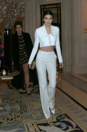 top,crop tops,pants,white,kendall jenner,leggings