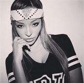 hat,tinashe,pretty,black and white,hair accessory,top,dope,bandana,swag