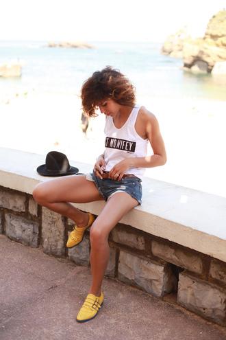 trop rouge tank top shorts t-shirt shoes bag belt jewels sunglasses hat