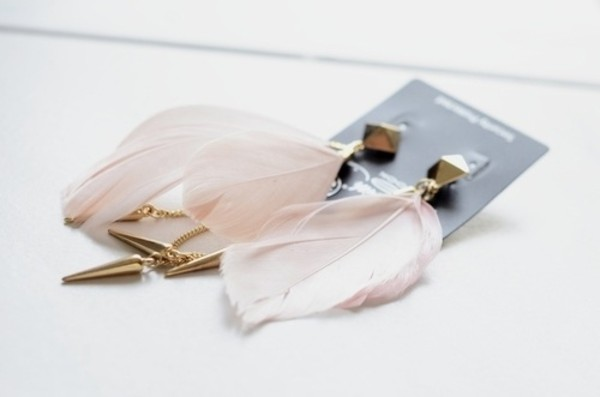 jewels earrings big earrings spikes spike earring jewelry feathers feathers feather earrings feather earrings boho jewelry earphones pink stud